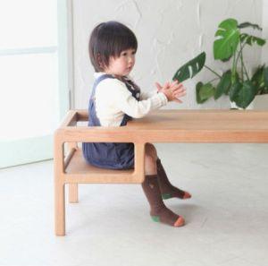 mesa com criança